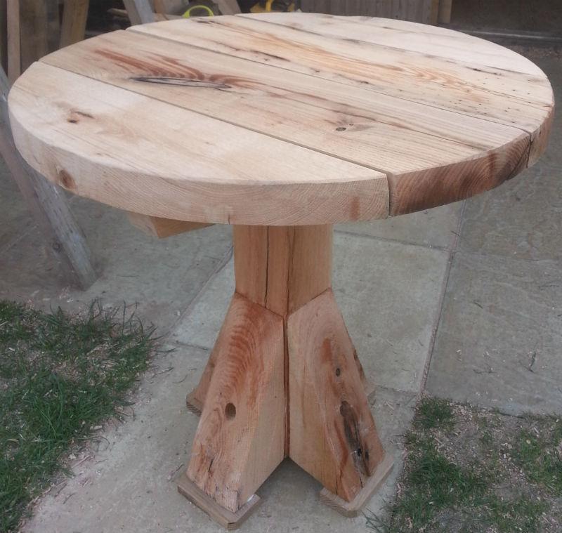 Outdoor Oak Sleeper Joinery > Round Garden Table